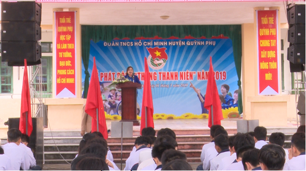 thang thanh nien 2.png